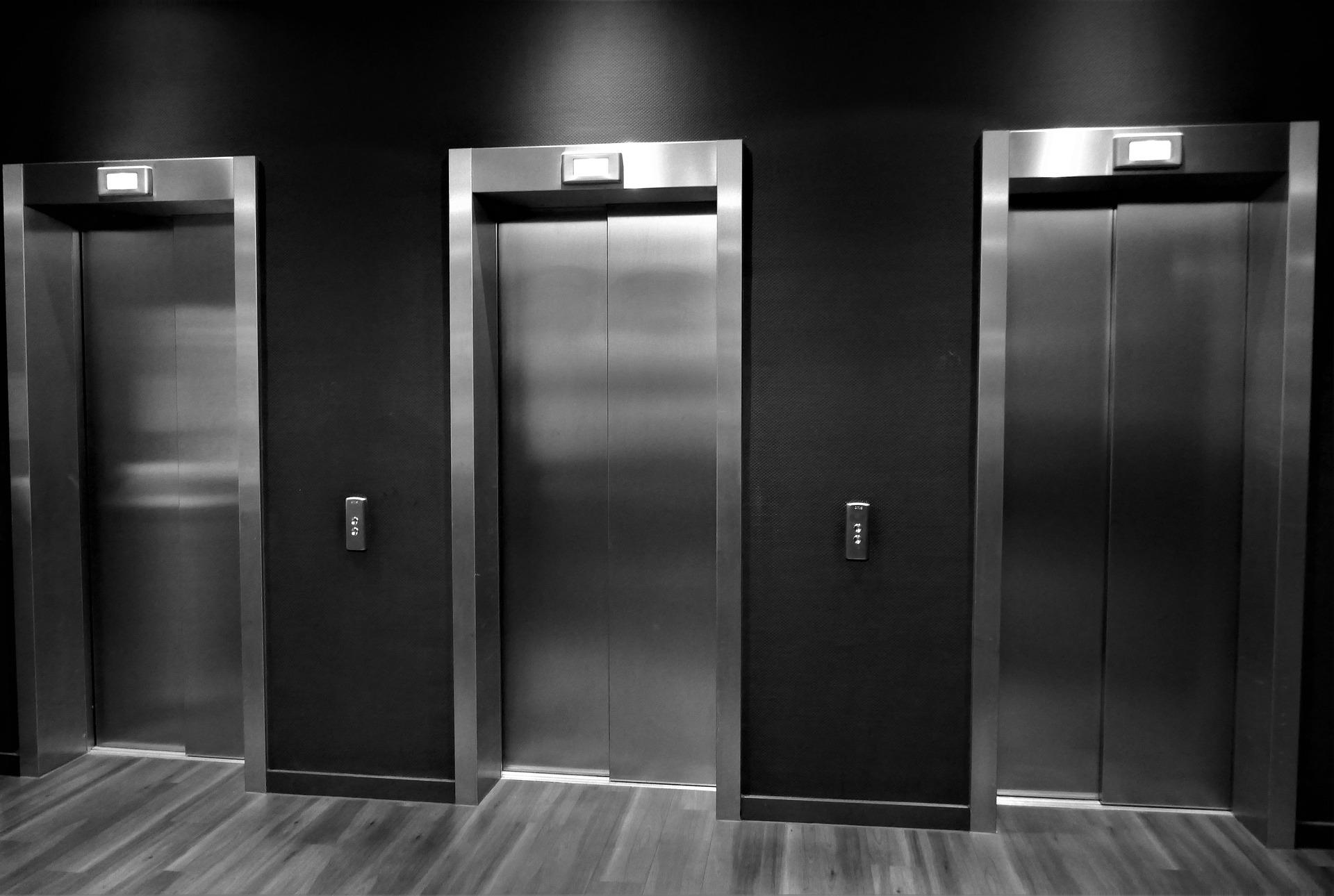 エレベーターの怪