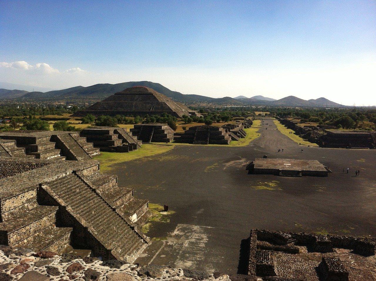 アステカの祭壇